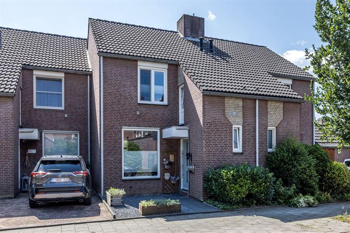 Burgemeester Van Laarstraat 24