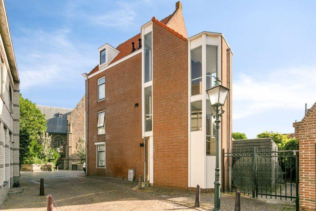 Bekijk foto 1 van Schuitvlotstraat 4
