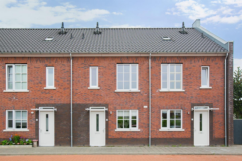 Bekijk foto 1 van Pierre Janssenstraat 19
