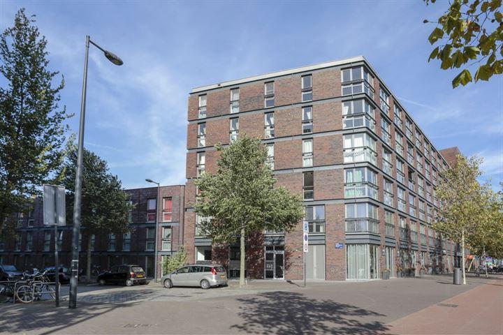 Pieter Oosterhuisstraat 75