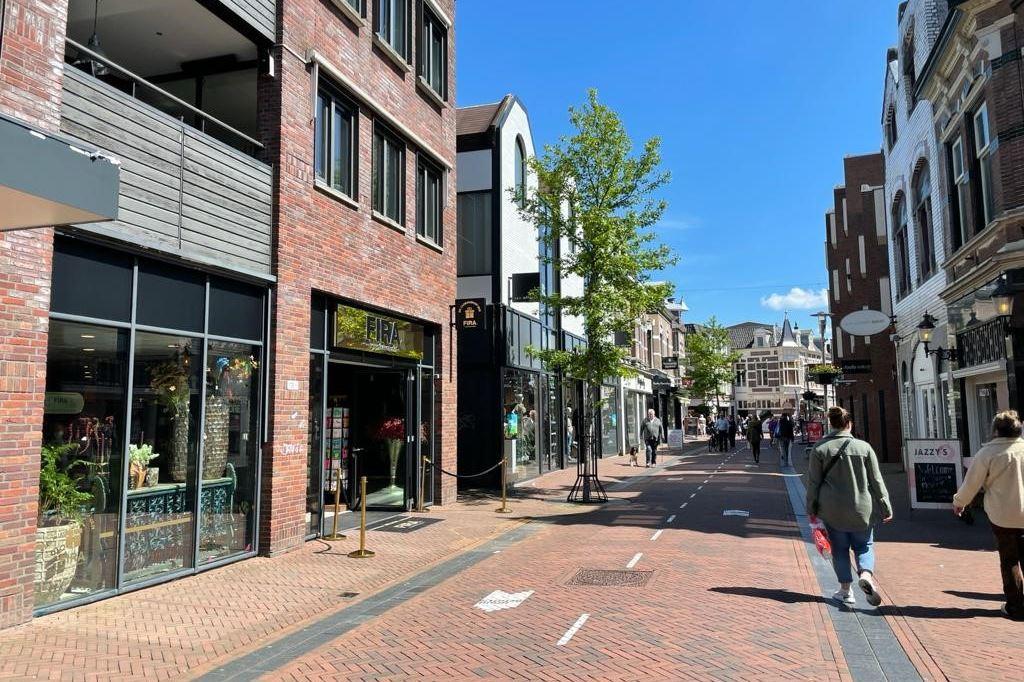 Bekijk foto 2 van Hoofdstraat 136
