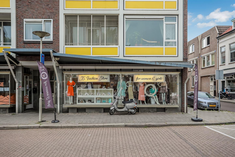 Bekijk foto 1 van Ir J.P. van Muijlwijkstraat 49