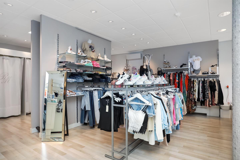 Bekijk foto 4 van Ir J.P. van Muijlwijkstraat 49