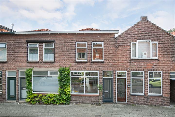Mr. D.J. van Heusdestraat 22