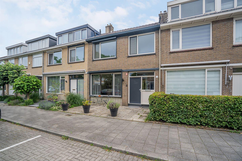 View photo 1 of Cornelis Outshoornstraat 10