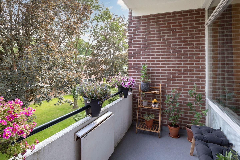 Bekijk foto 4 van Van der Waalsstraat 40 2