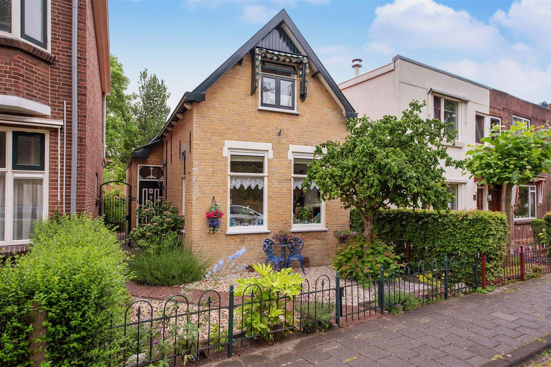 Bekijk foto 1 van Van der Horststraat 20