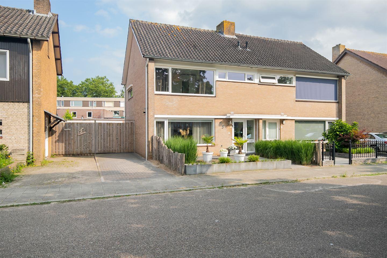 Bekijk foto 4 van Jan van Riebeecksingel 5