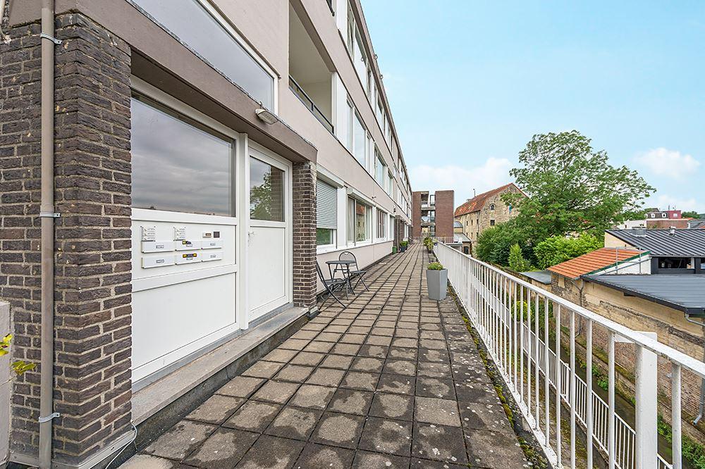 Bekijk foto 4 van Dr Erensstraat 36