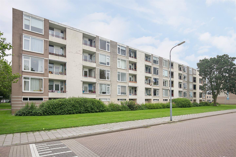 View photo 2 of Schaepmanstraat 179