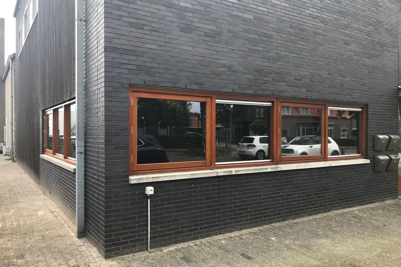 Bekijk foto 2 van Willem-Alexanderweg 77 A