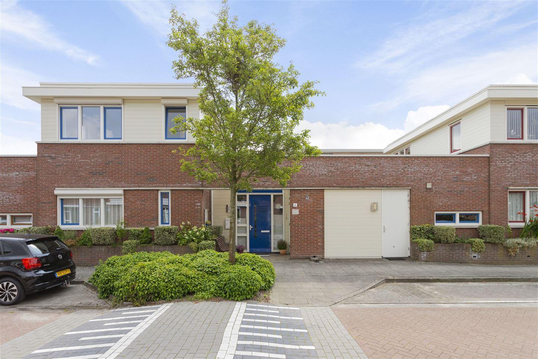 Bekijk foto 2 van Martinus Nijhoffstraat 4