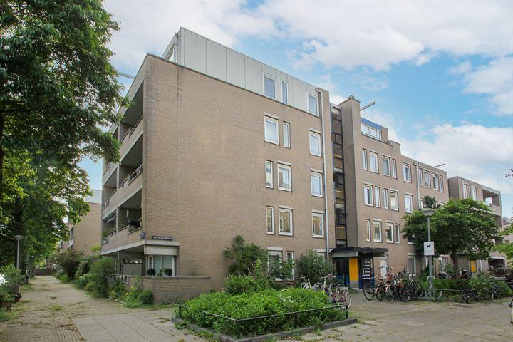 H.J.M. Walenkampstraat 25