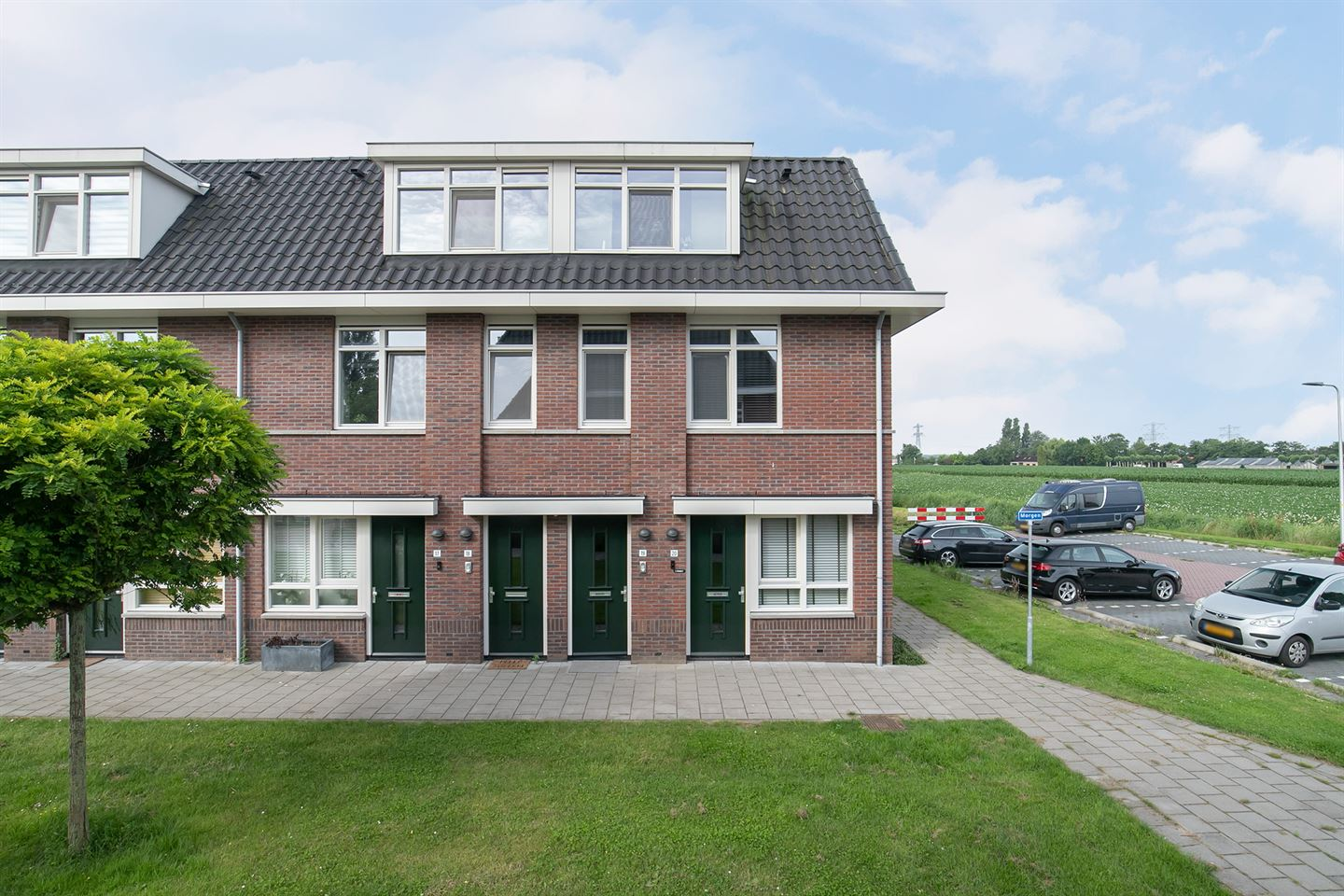 View photo 1 of Morgen 19