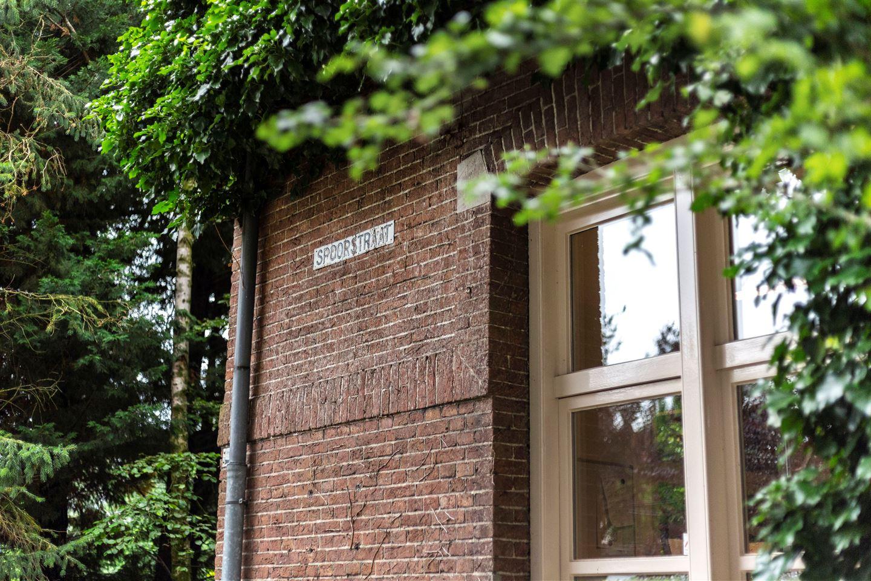 Bekijk foto 3 van Spoorstraat 2