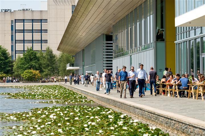 Bekijk foto 3 van High Tech Campus 44