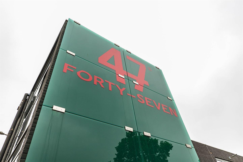 Bekijk foto 3 van Helftheuvelweg 47