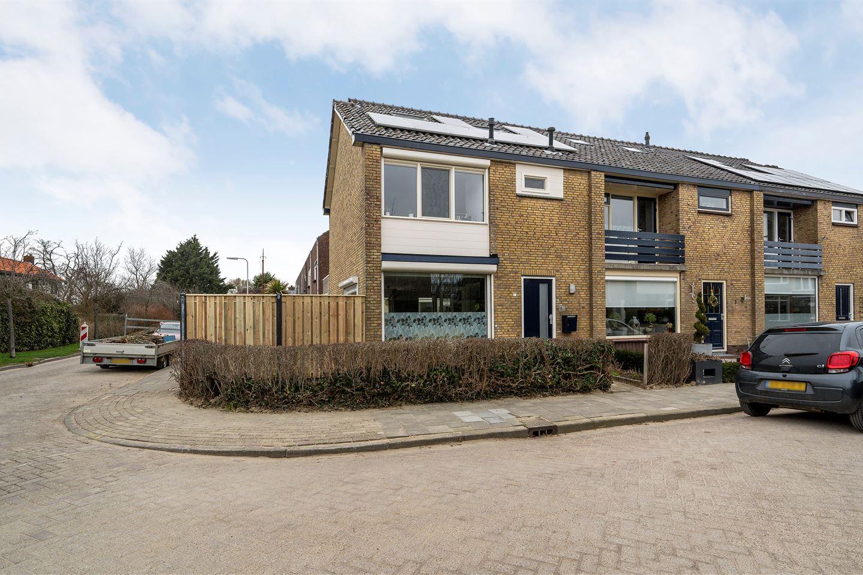 View photo 1 of Piet Heinstraat 1