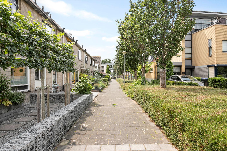 View photo 3 of Lebeaustraat 1