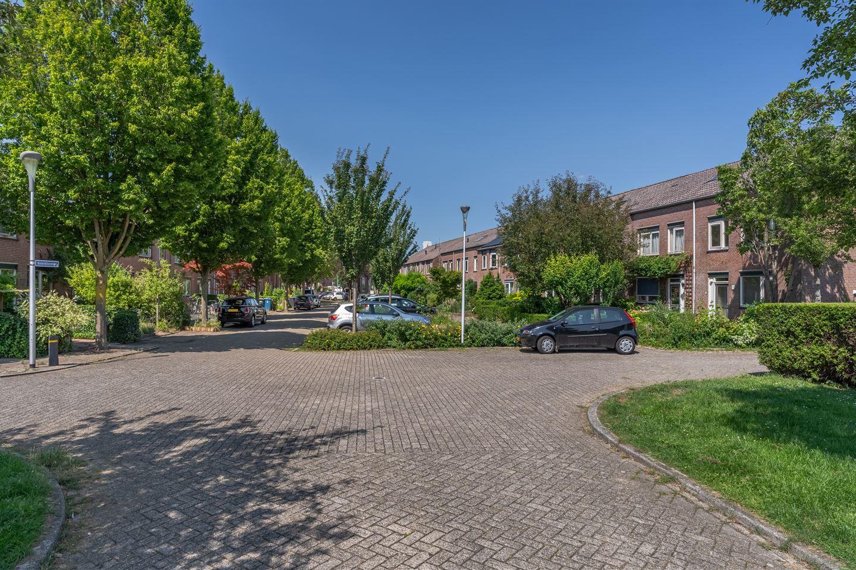 Bekijk foto 1 van Boterbloemhof 9