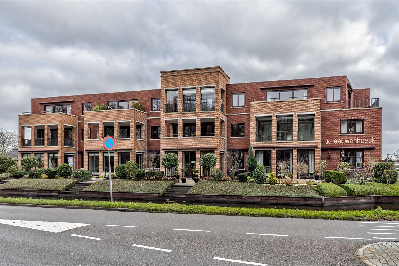 Bekijk foto 1 van Burgemeester van Oostenweg 1 L