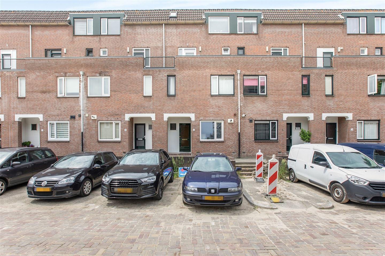 Bekijk foto 1 van Meindert Hobbemastraat 7