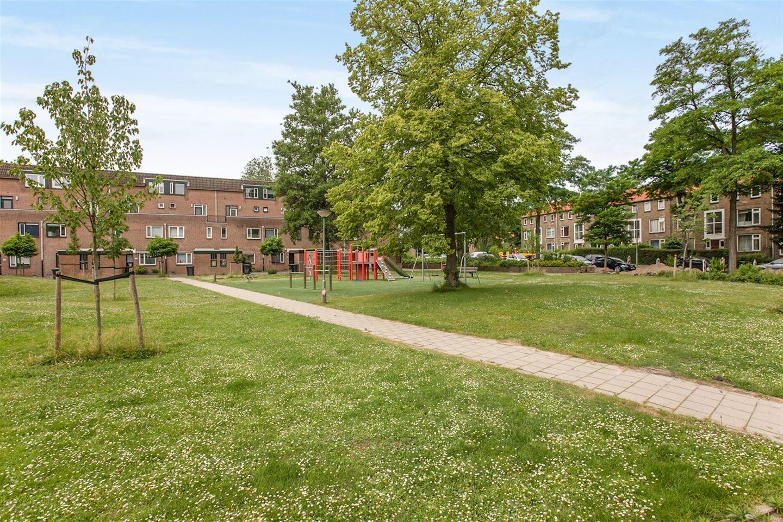 Bekijk foto 5 van Meindert Hobbemastraat 7