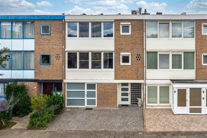 Bisschop Lindanusstraat 45