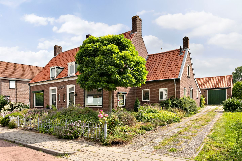 View photo 2 of Zahnstraat 5