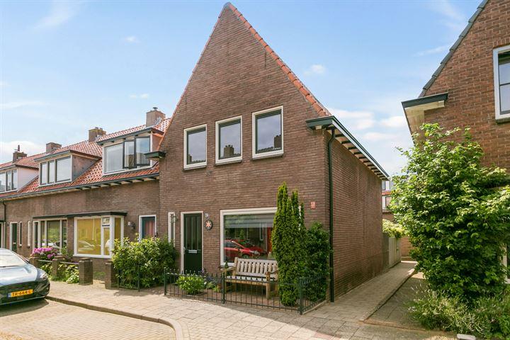 Ruysdaelstraat 24