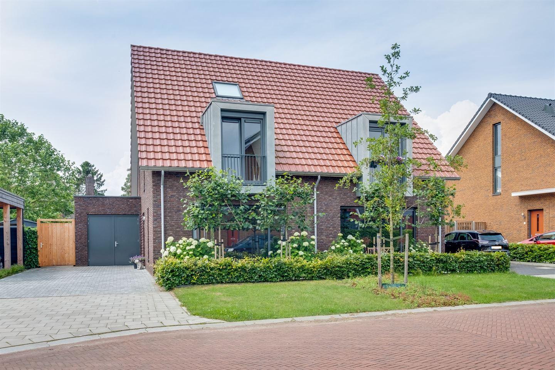 Bekijk foto 1 van Van Kesterenhof 3