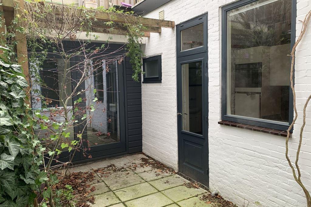 Bekijk foto 4 van Hugo de Grootstraat 47