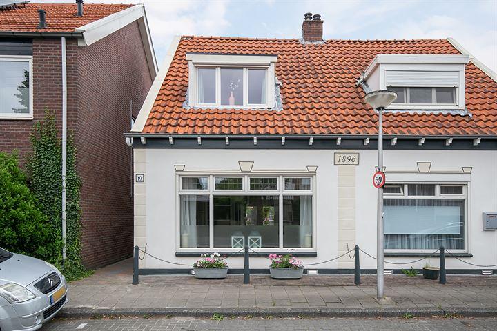 Tolstraat 19