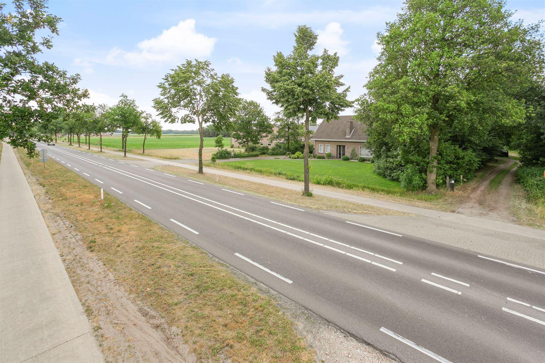 View photo 4 of Deurneseweg 111