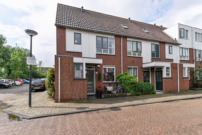 Bekijk foto 1 van Esther de Boer-van Rijkstraat 32