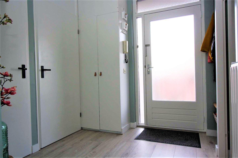 Bekijk foto 2 van Ruysdaelstraat 8