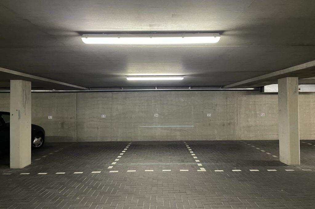 View photo 4 of Parkeerplaatsen Maritiem - Dr. Lelykade