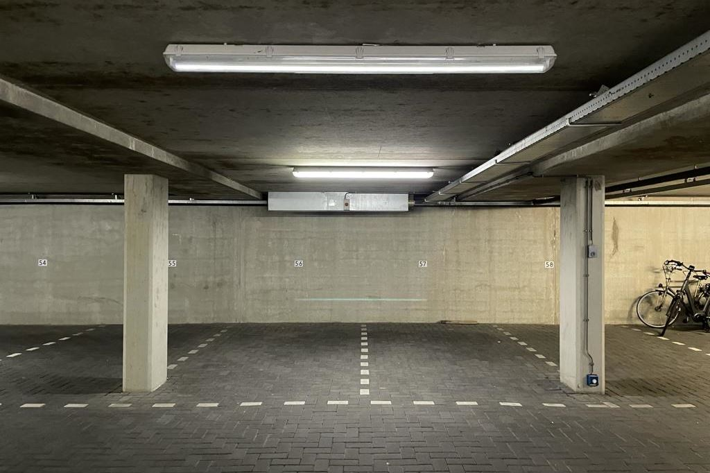 View photo 5 of Parkeerplaatsen Maritiem - Dr. Lelykade