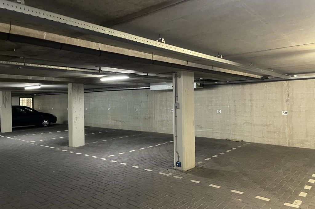 View photo 3 of Parkeerplaatsen Maritiem - Dr. Lelykade