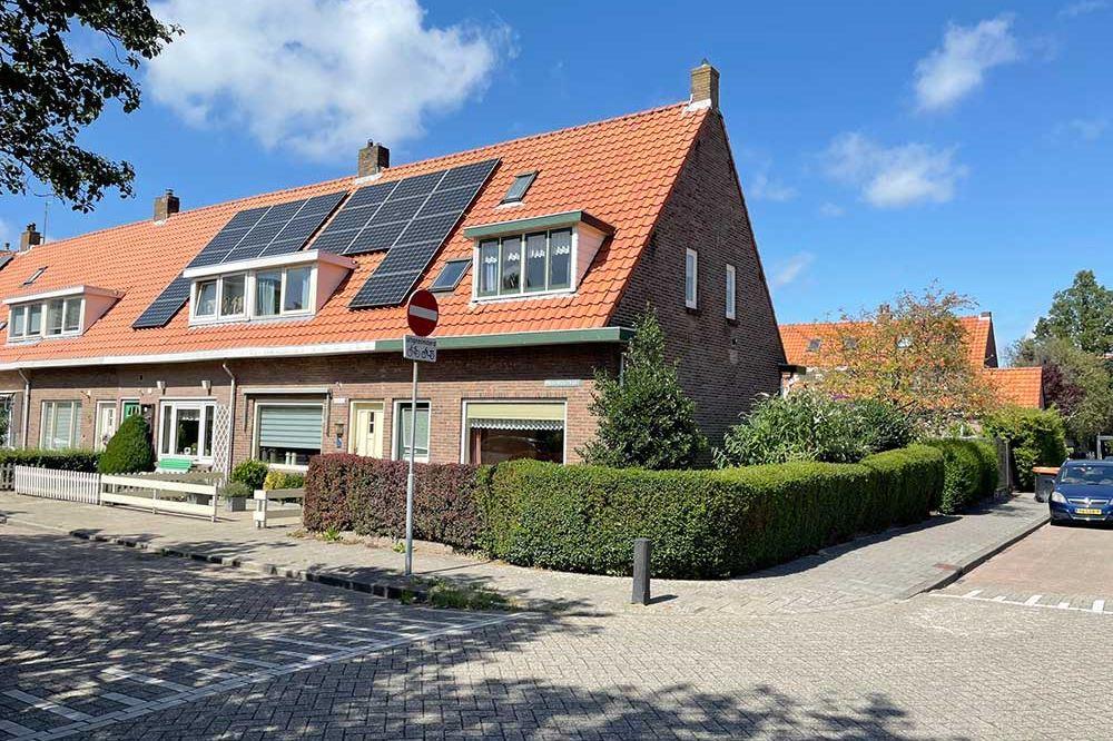 Bekijk foto 1 van Meeuwenstraat 23