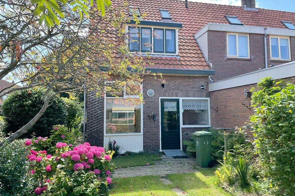 Bekijk foto 3 van Meeuwenstraat 23