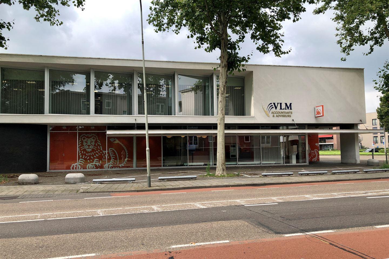 Bekijk foto 1 van Hub Dassenplein 5