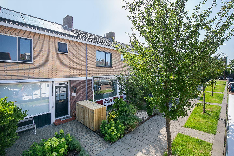View photo 2 of Prunusstraat 18