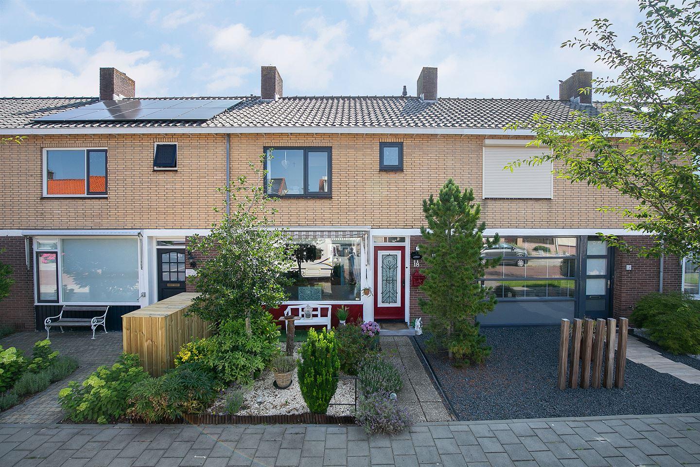 View photo 1 of Prunusstraat 18