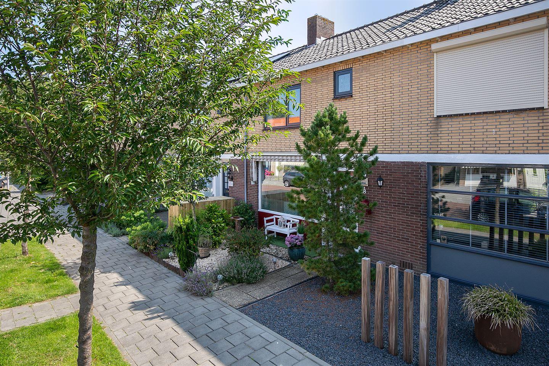 View photo 3 of Prunusstraat 18