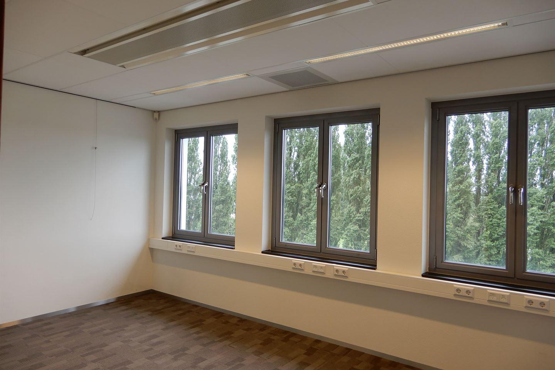 Bekijk foto 2 van J.S. de Jongplein 7 a