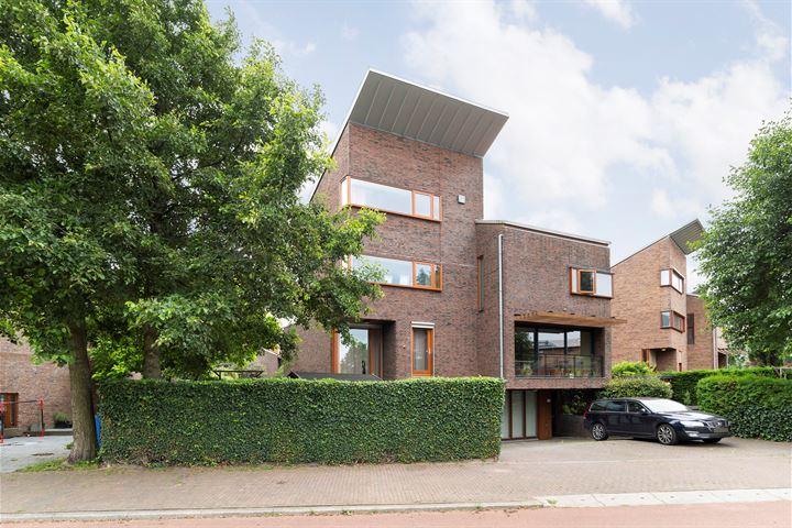 Dirk van der Kooijweg 104