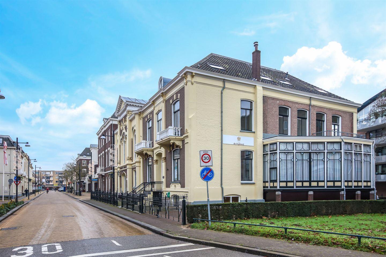 Bekijk foto 4 van Burgemeester van Nispenstraat 21
