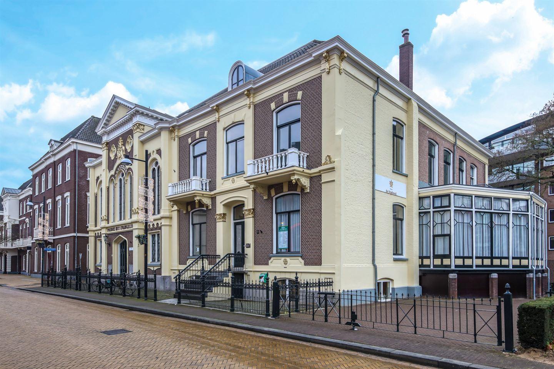Bekijk foto 3 van Burgemeester van Nispenstraat 21