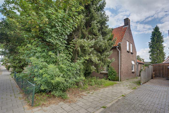 Graaf Ansfriedstraat 17